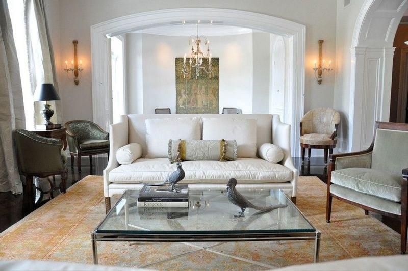 Турецкий в интерьере светлой гостиной