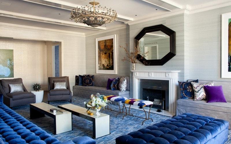 Kover_golubogo_cveta_v_gostinoy_Ковер голубого цвета в гостиной