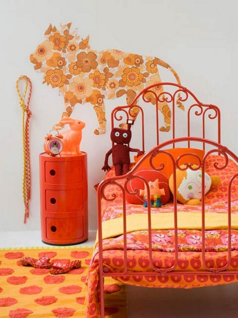 Oranzheviy_kover_v_detskuyu_Оранжевый ковер в детскую
