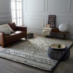 Марокканский ковер на деревянном полу