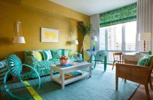 Светлый бирюзовый ковер в гостиной