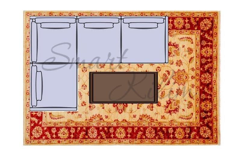 Ковер под угловым диваном в гостиной на полу