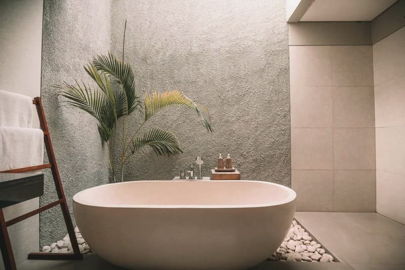 Плитка под камень в ванной комнате фото